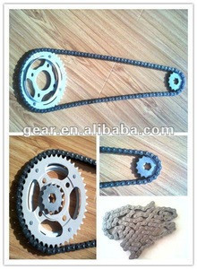 Motorcycle transmission sprocet and chain