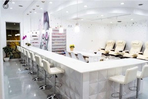 Nail salon double manicure nail table