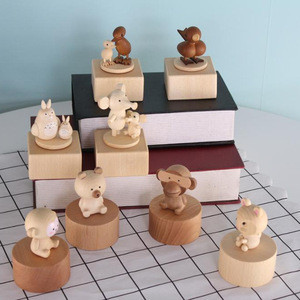 2018 new creative cute animals wooden music box