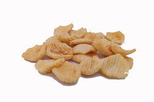 Potato Crackers Spicy Vegetable 12 gm best quality potato chips from Bangladesh