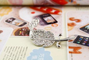 Leaf Rhinestone brooch,china wholesale feather colorful rhine stone brooch women,crystal letter brooch pins