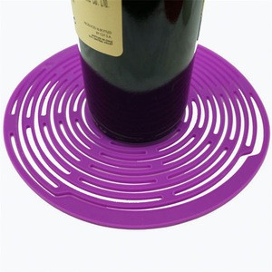 Persume Promotional 30Ml Silicone Bottle Picnic Basket With Wine Holder