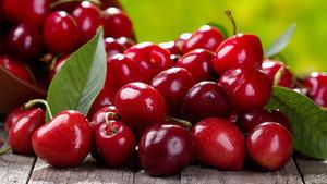 Grade A Quality fresh cherries