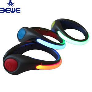 Wholesale Bulk Supply Cheap Shoe Clip Glow In Dark