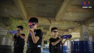 2018 shooting gun toy electric gun toy, laser tag gun, laser gun with target have marker function to play sound and vibration