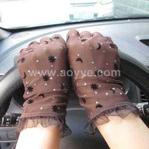 Wholesale cheap price ladies moon sexy lace driving gloves sun UV protection wedding silk bridal gloves