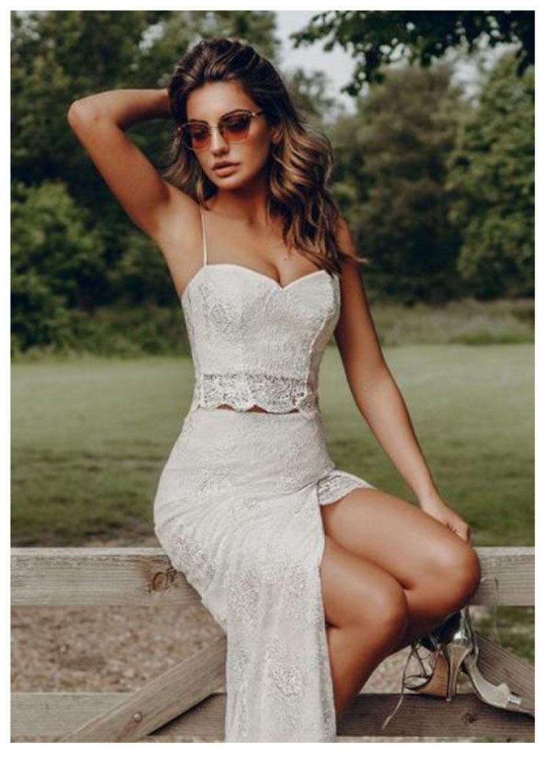 free shipping Beach Wedding Dress 2019 2 Pieces Spaghetti Straps Lace Tulle Side split Princess Wedding Gown Tulle Bridal Dress