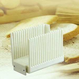 DIY Kitchen Baking Tools Recyclable Plastic Manual Cake Bread Cutter Toast Slicer