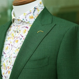 High end hang tailor made fashion two button peak lapel green fabric men suit