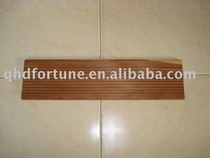 Cedar wood decoration