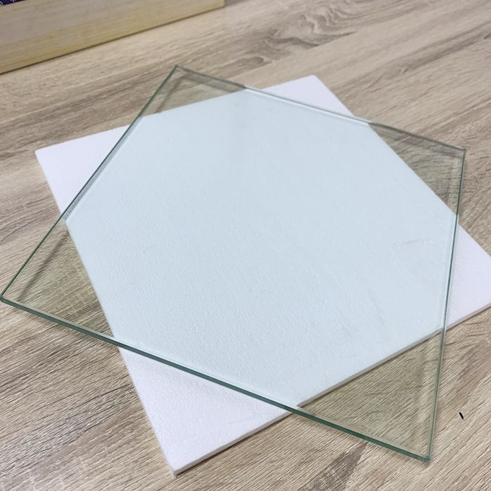 Europe CE Standard Extra Clear Tempered Window Glass Panel