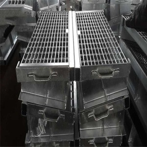 Hot Dip Galvanized Trench Drain Steel Grating With Frame 60x60 Ductile Iron Manhole Cover