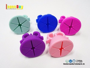 High quality wearable beaty tools 2 finger silicone nail polish bottle holder ring
