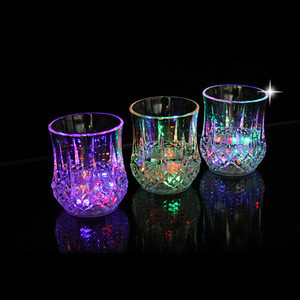 Top quality restaurant supply & wedding supply led cup led flashing Champagne Flutes Cocktail Cup