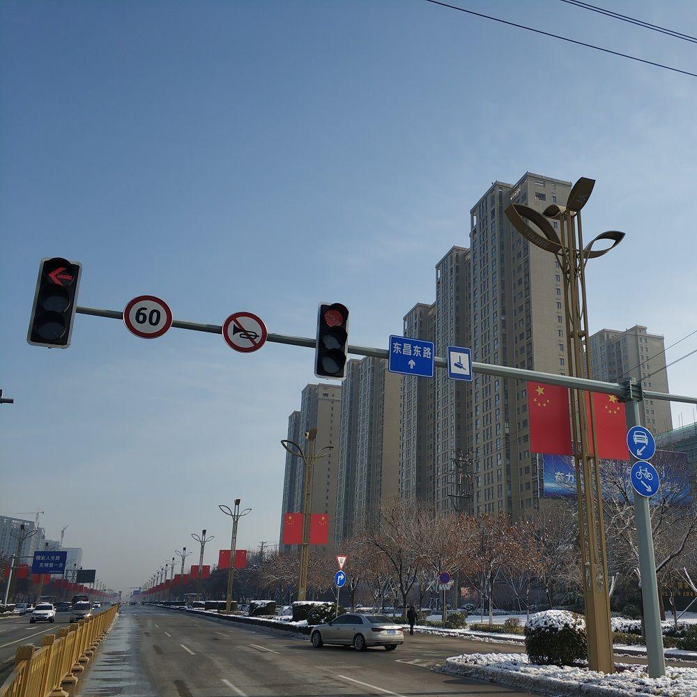 Galvanized steel traffic light poles