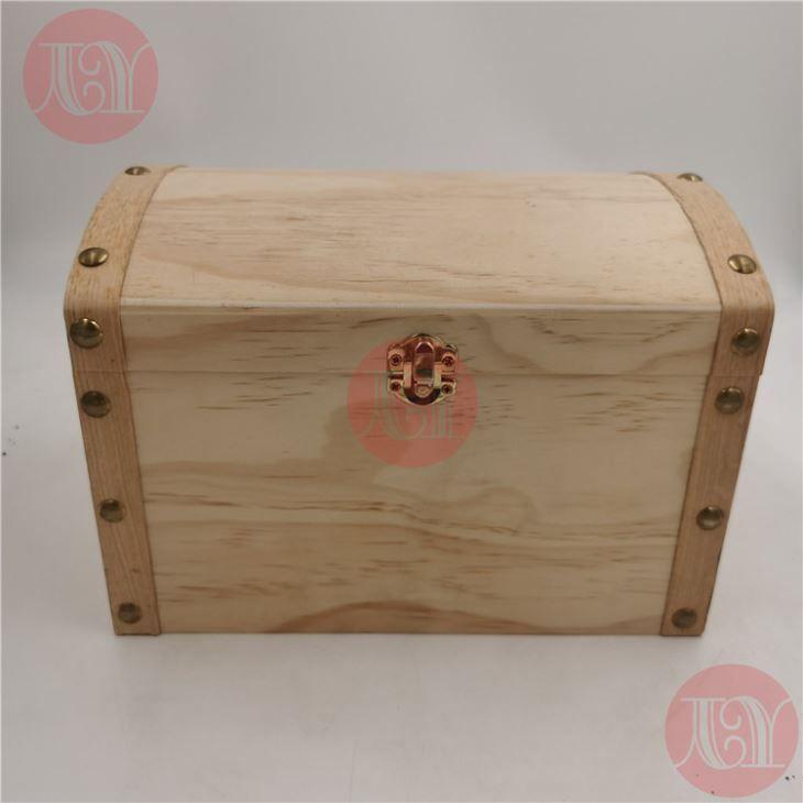 DIY Halloween Wooden Box