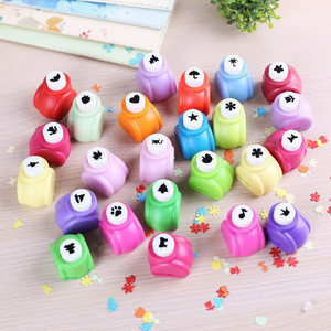 Hot-sale craft plastic hole punch for children, DIY custom design paper punch with DIY shape
