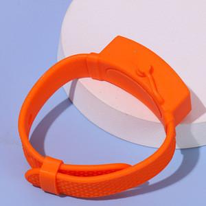 Portable Bracelet Wristband Hand Dispenser 3Beak Bottle Pumps Watch Band for Hand Washing Silicone Bracelet Dispenser Wristband