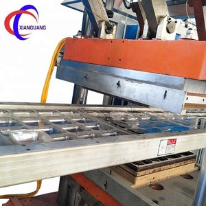 Various plastic 3-position vaccum thermoforming machine for sale