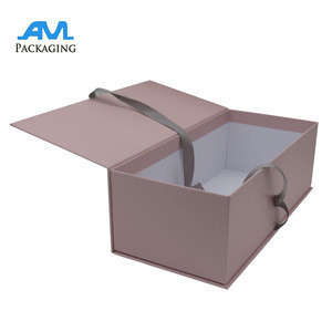 Custom Logo Elegant Paper Women High-heeled Shoes Box With Ribbon Wholesale