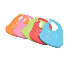 Wholesale Comfortable Roll Up Washable Silicone Baby Bib for baby with pocket