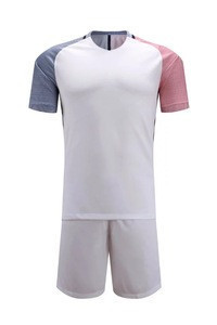 Latest Design Promotional Cheap Football Uniforms/Jerseys
