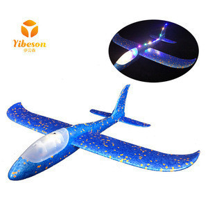 Kids sport toys hand throw airplane with lamp flying plane foam