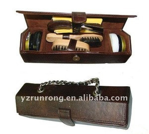 Shoe shine kit for women