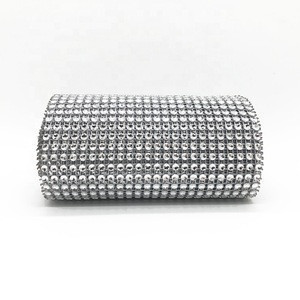 Wholesale 24 rows wholesale silver plastic trimming imitate rhinestone roll trim diamante plastic rhinestone mesh trimming