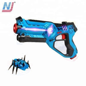 Infrared laser tag electric toy gun with spider shooting target