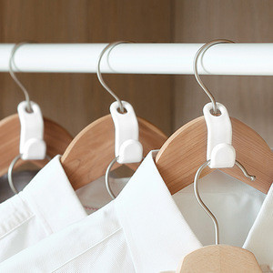 SHIMOYAMA Plastic White Clothes Hanger Attachable hook
