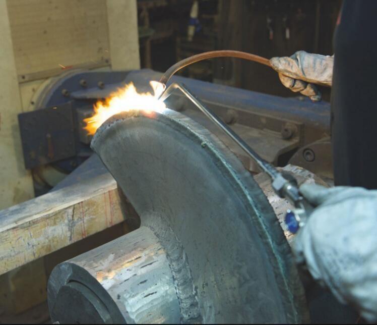 Tungsten carbide hardfacing flexible welding wire