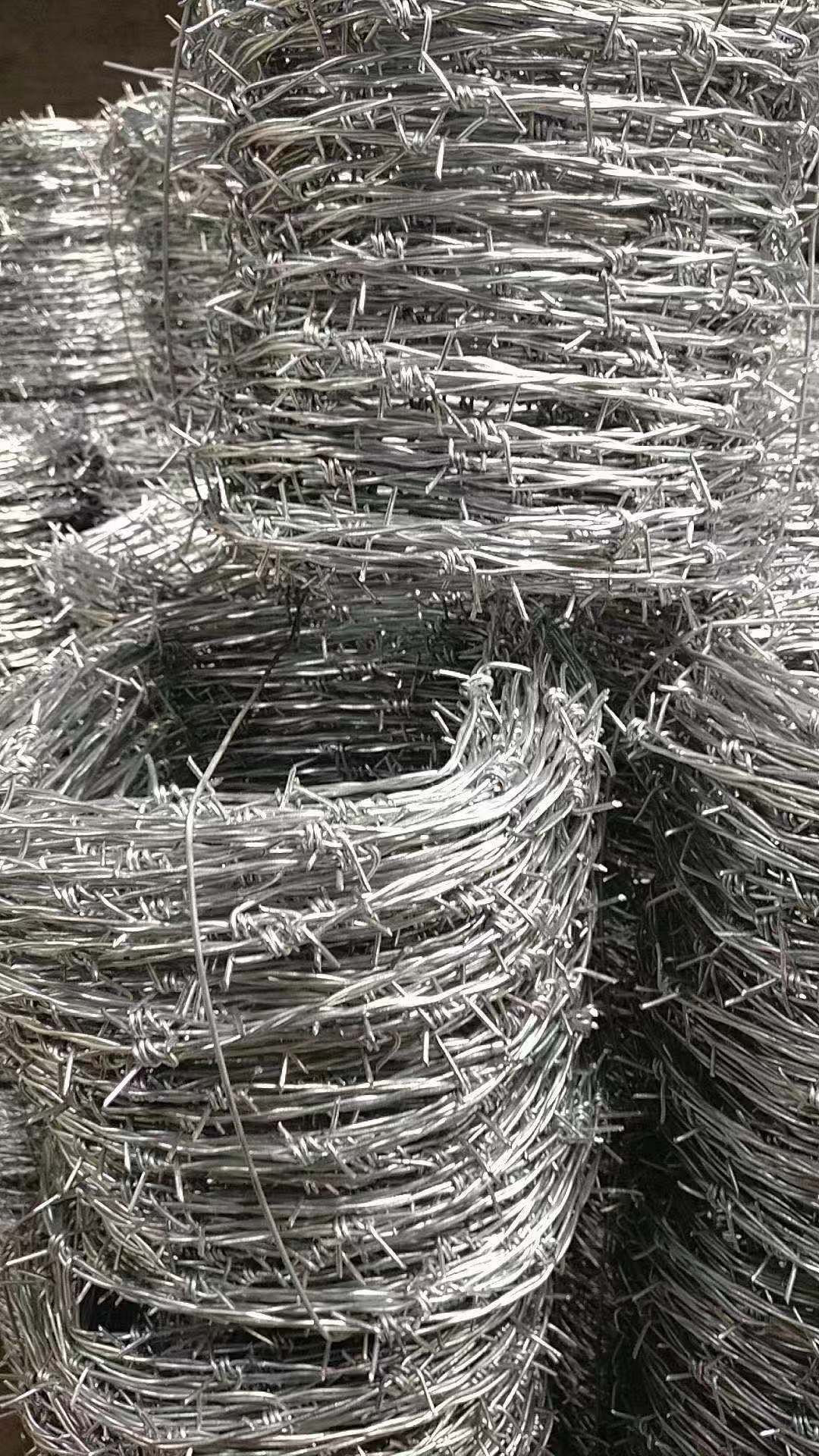 Highway Hot dipped galvanized barbed wire fence wire double strand double twisted barbed wire
