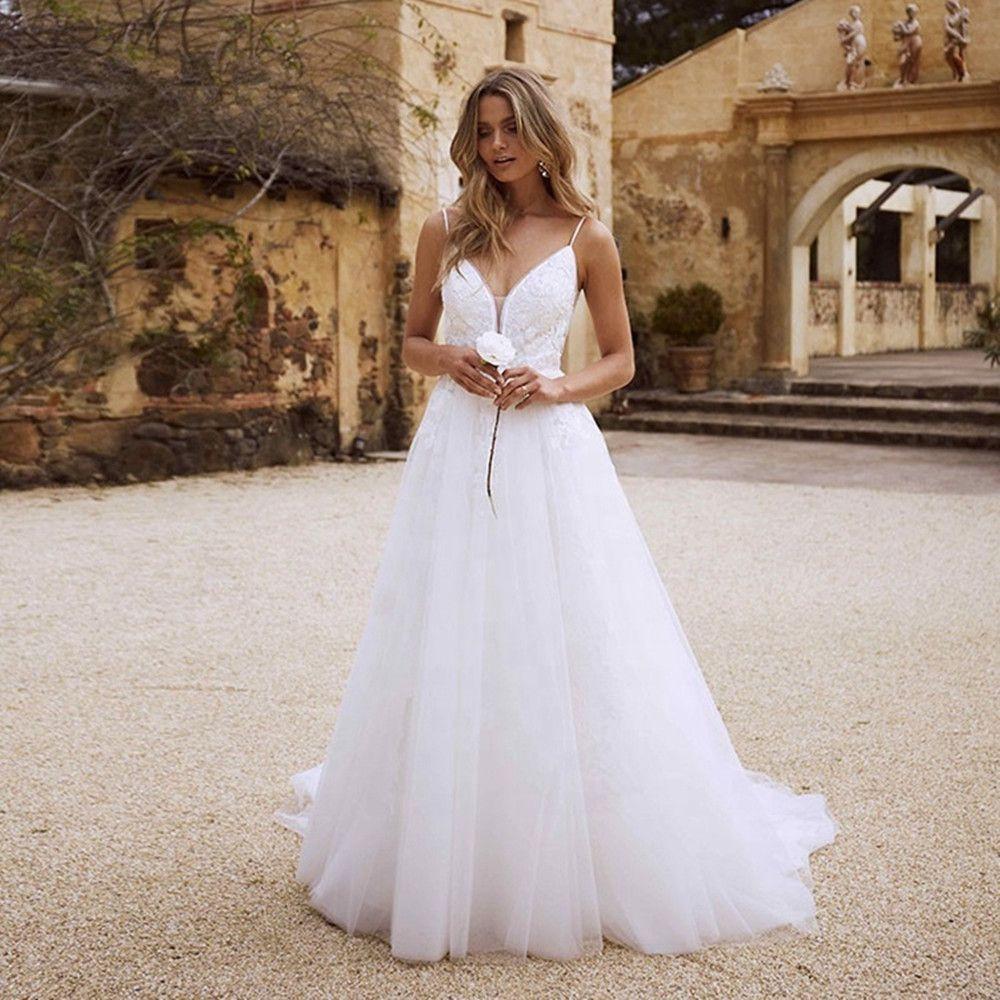 Lace Boho Wedding Dresses Open back spaghetti straps white lawn wedding dress Wedding Gowns Beach Bride Dress Vestido De Noiva