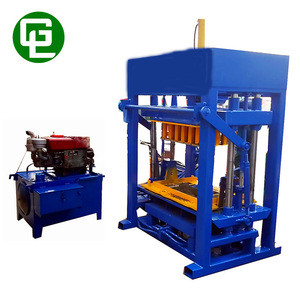 QT4-30 Semi automatic paved brick machine diesel engine hollow block maker machine
