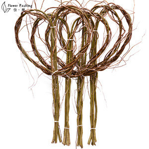 New Arrival Stock Products Willow Vine Heart Shape Branch Wreath Decorative Wooden Twig  Flower bouquet Decoration Holiday