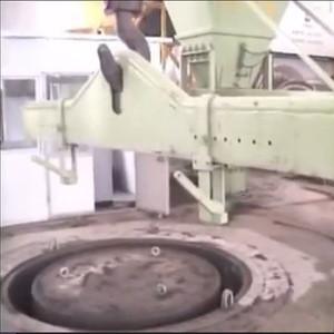 Concrete drainage pipe core mould vibration making machine